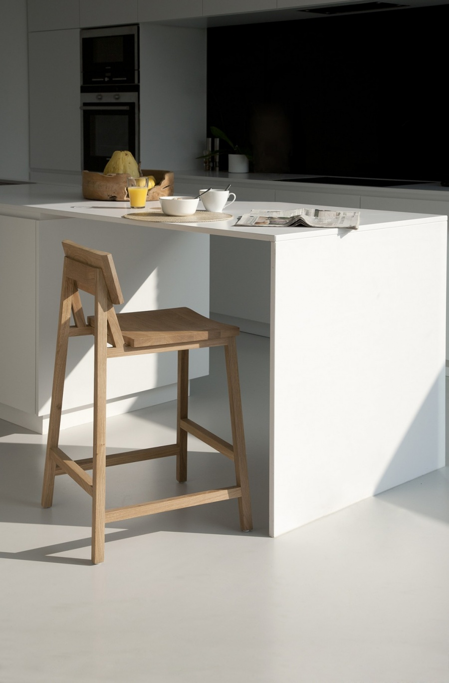 N3 counter stoel