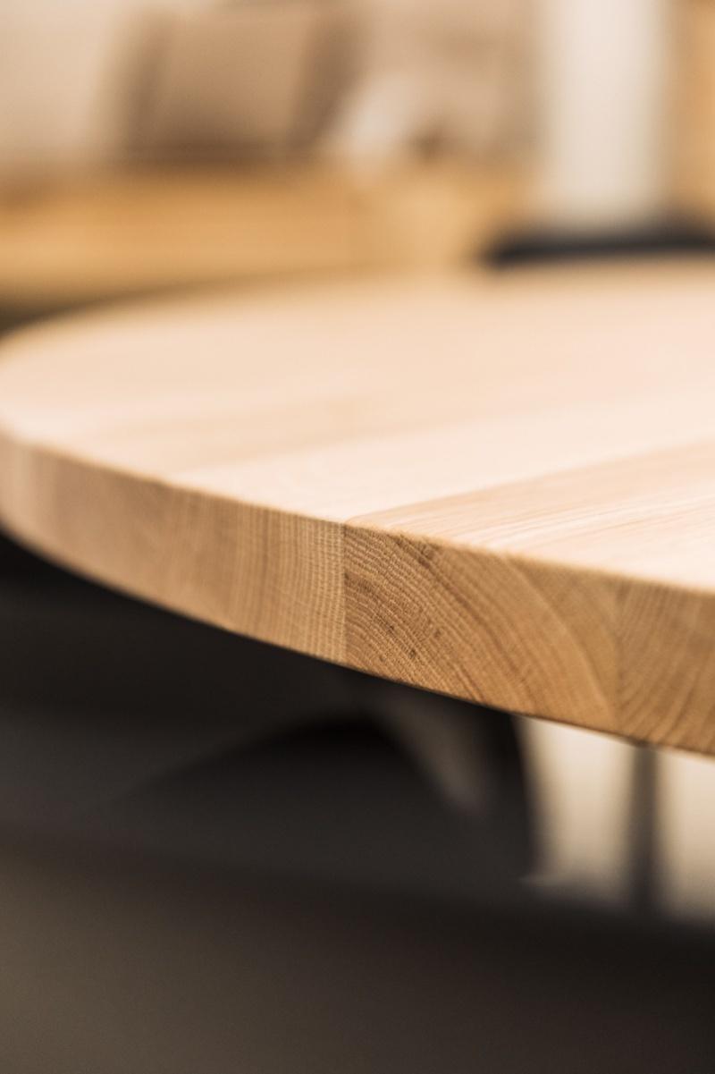 Sanskriet - Eettafels - Trunk tafel rond